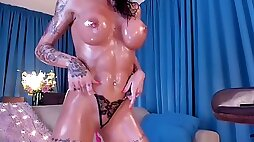 Flawless fit oil body beauty cougar on cam demonstrate -sinner-