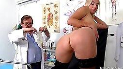 Kinky Gyno Exam - Daisy Lee Medical Fetish