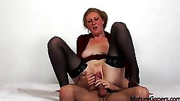 Horny Mature Angelina Gets Fucked By Filthy Gaper Travis