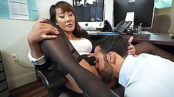 Asian secretary had sex with her boss