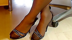 My legs in FF nylon pantyhose and 16,five cm italian sandals