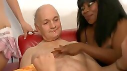 Baaby Jess - FFF-096 French Grandpa Gets Oral Sex from 4 MILFs