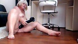 Naughty mom MILF jamey wet twat and feet