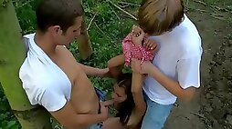 An outdoors threesome with a sexy hostage
