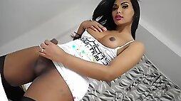 Hot Ts Beatrice Andrade